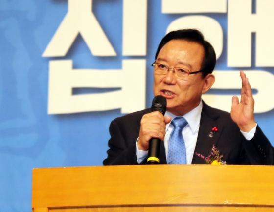 [Newsmaker] Ulsan mayor questioned in election-meddling probe