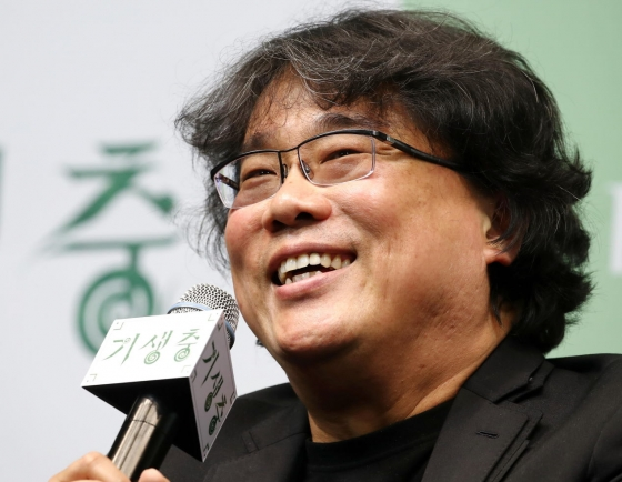 Bong Joon-ho continues commenting on social issues