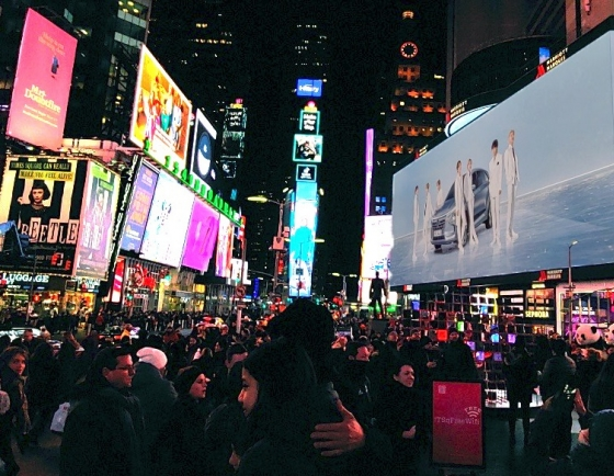 [Photo News] Hyundai's hydrogen campaign featuring BTS in NY