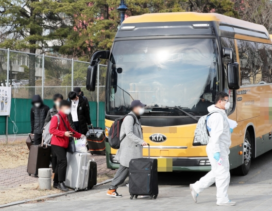 Full entry ban against Chinese visitors pointless for now: Cheong Wa Dae official