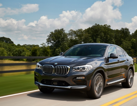 BMW introduces two new gasoline crossovers