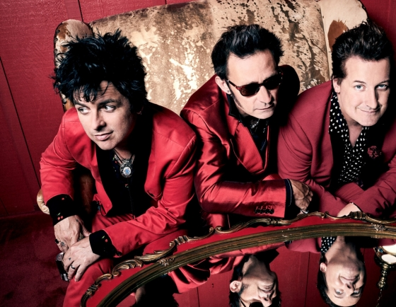 Green Day pushes back dates for Asian tour
