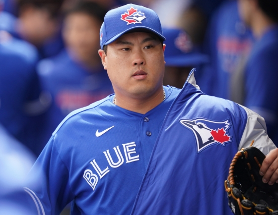 Blue Jays' Ryu Hyun-jin strikes out 7 in simulated game