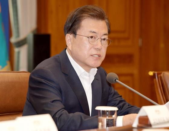 Moon vows W100tr rescue package to reinvigorate economy