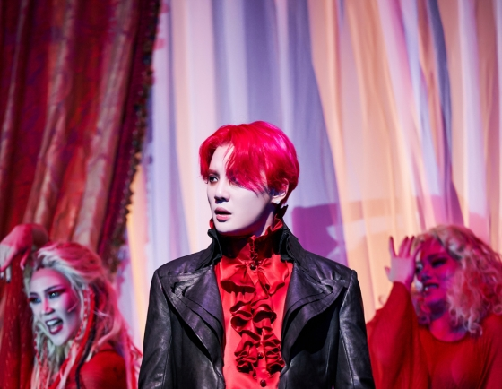 [Herald Review] Doomed but eternal love of 'Dracula'