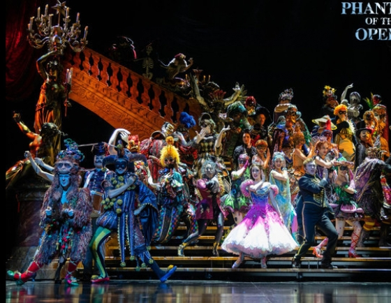 'Phantom of Opera' extends show suspension to April 22