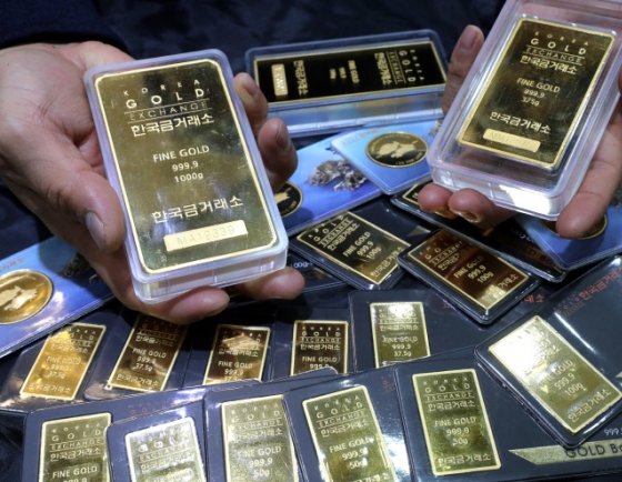 Gold exports climb to 7-year high in Feb. on price hikes