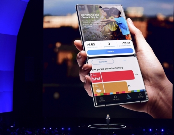 Samsung, Apple scurry to meet new phone launch schedules