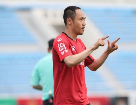 Fresh off season's 1st win, K League midfielder vows even more offense
