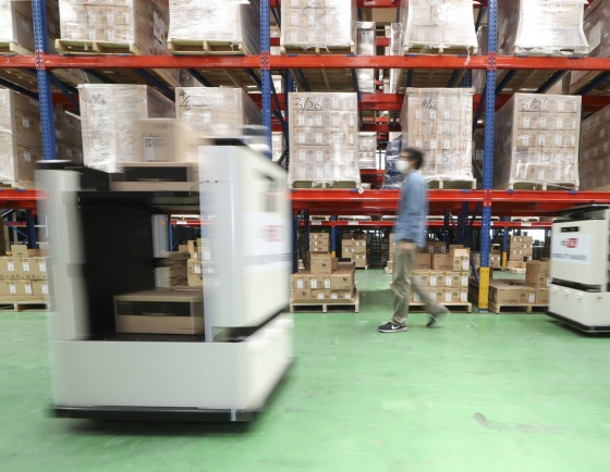 KT introduces warehouse automation service