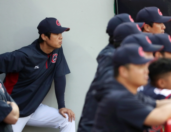 Reticent KBO manager expresses rare excitement over healthy lineup