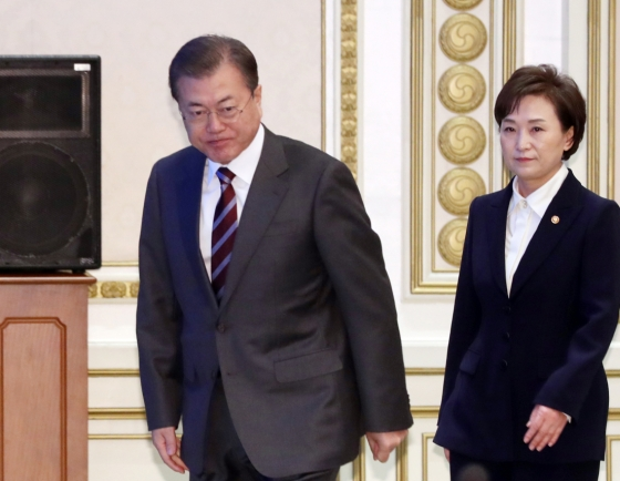 Moon calls for heavier tax burden on owners of multiple homes to curb housing price surge