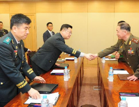 N. Korea not answering call on military hotline: official