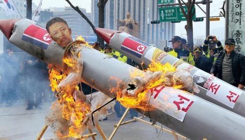 [VOICE] Should Korea increase its missile range?