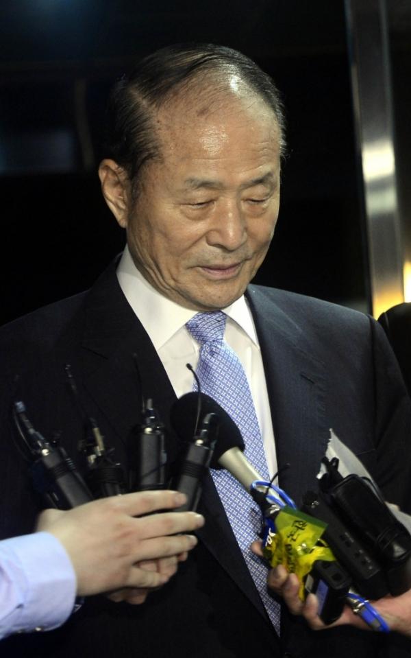 [Voice] How can Korea end corruption?