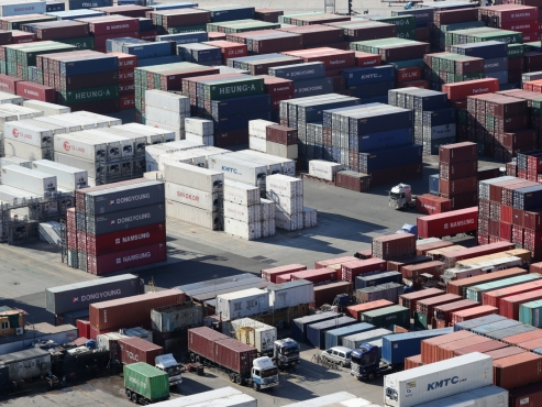 Slowing exports weigh on S. Korea's economic growth: ministry
