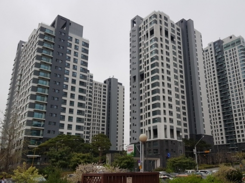Boon or bane: How will real estate curbs play at the ballot box?