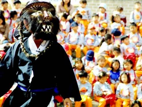 South Korea applies for Korean mask dance drama talchum's UNESCO listing