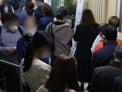 Unemployment amid COVID-19 shows gender contrast in Korea