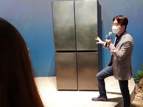 Italian artisans design Samsung's luxury fridge 'New Chef Collection'