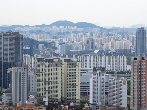 How is S. Korea's market taking the govt's housing policy blitz?