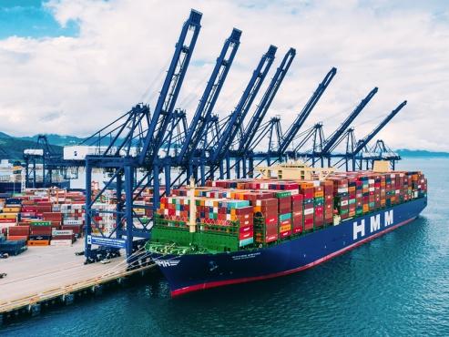 HMM sells stake in Algeciras terminal