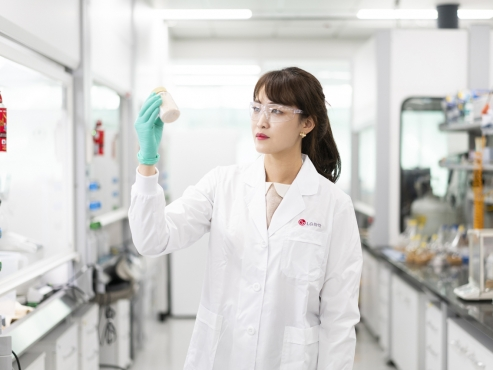 LG Chem to reignite bio biz after battery separation