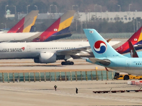 Korean Air vows no layoffs despite Asiana takeover