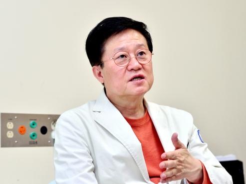Korea's top hematologist warns against brushing off AstraZeneca blood clot link