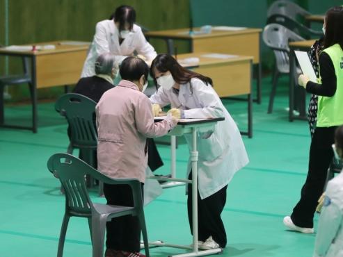 Korea delays serious COVID-19 vaccine adverse report, again