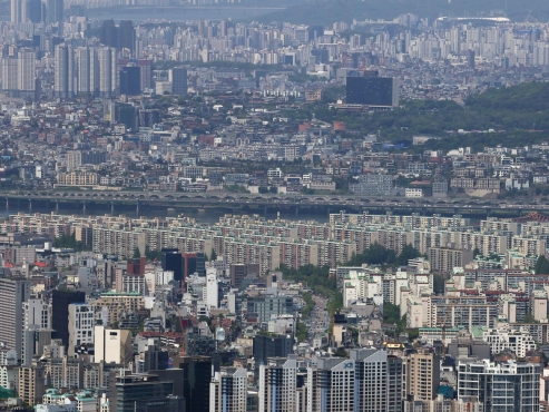 Rising home prices amid hoped-for redevelopment in focus: finance minister