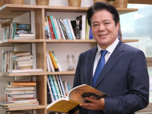 Anyang's 'Iron Man' mayor charts ground-breaking path