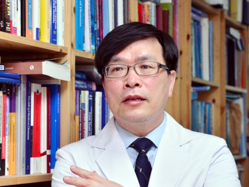 'Safety is taking a back seat in Korea's vaccine rollout'