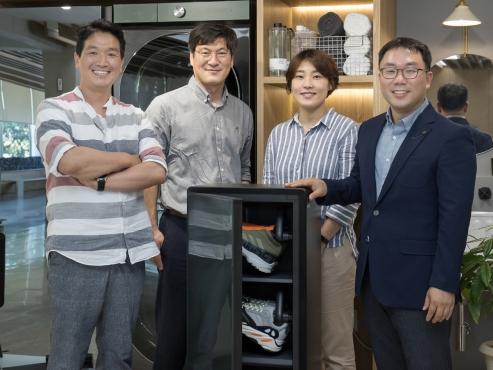 Samsung's ShoeDresser to replace shoe closet at home