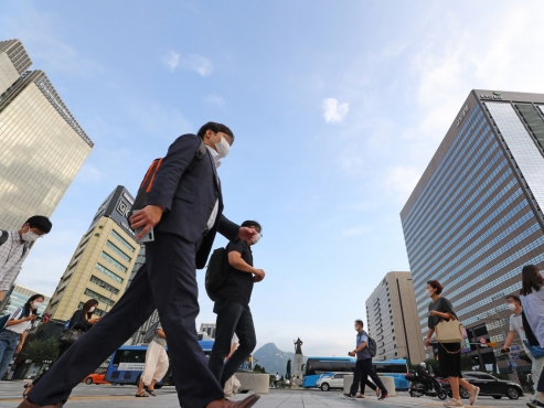 Over 70% of Korean millennials, Gen Z say wealth distributed unequally