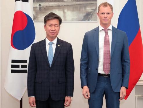 S. Korea's tax chief in Russia, Uzbekistan for talks