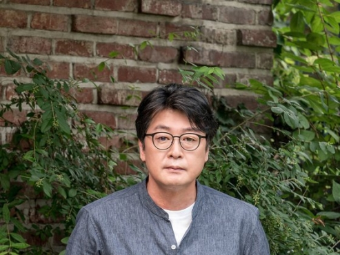 Kim Yoon-seok returns as ordinary man in 'Escape from Mogadishu'