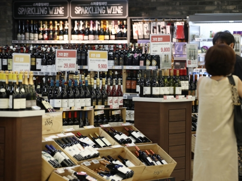 Wine imports hit record high in H1 over growing drinking-at-home culture