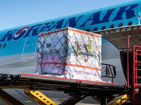 Korean Air's cargo-only passenger flights operation hits 10,000 mark