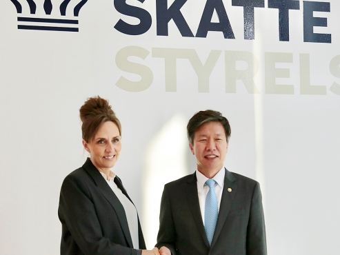 S. Korea's tax chief seeks cooperation with Denmark, Hungary
