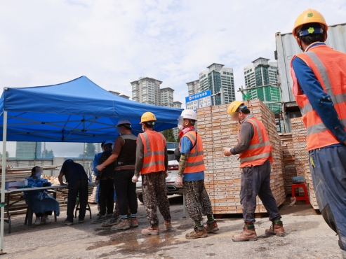 Moon fails on promise to halve no. of workplace deaths