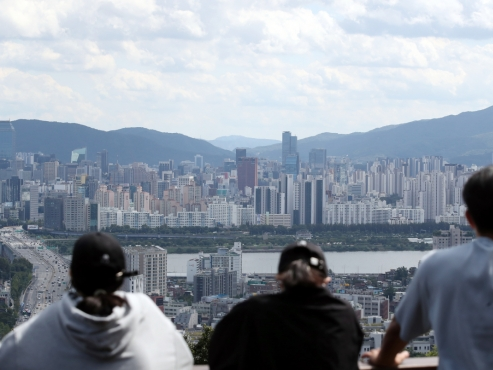 4 out of 10 Seoul apartments bought by 20s, 30s