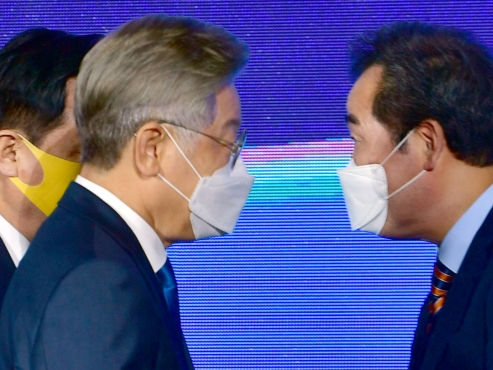 Former PM gets first win over Gyeonggi governor in presidential primary