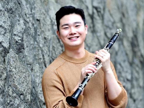 Taking clarinet center stage