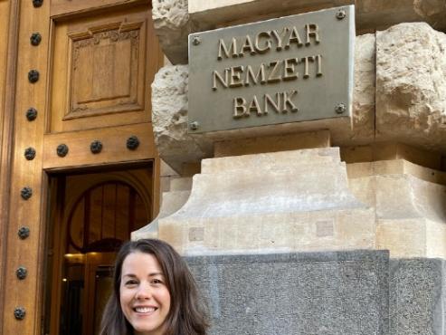 Shinhan Bank opens Hungary office