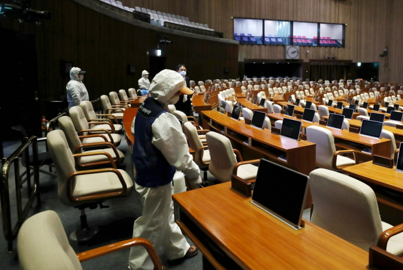 Parliament reopens after closure due to coronavirus