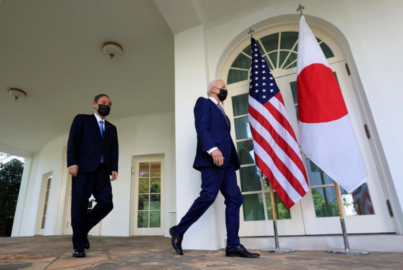 Biden-Suga summit leaves Moon with few options
