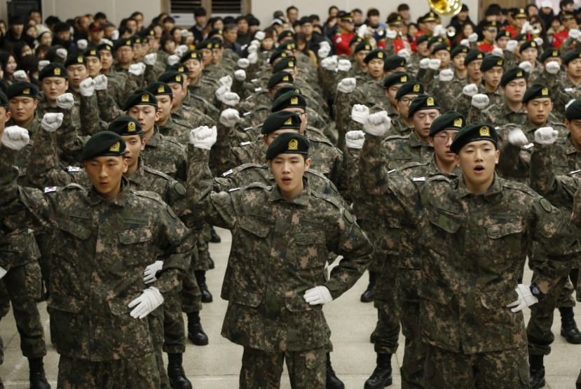 Too soon to draft women into military: Defense Ministry