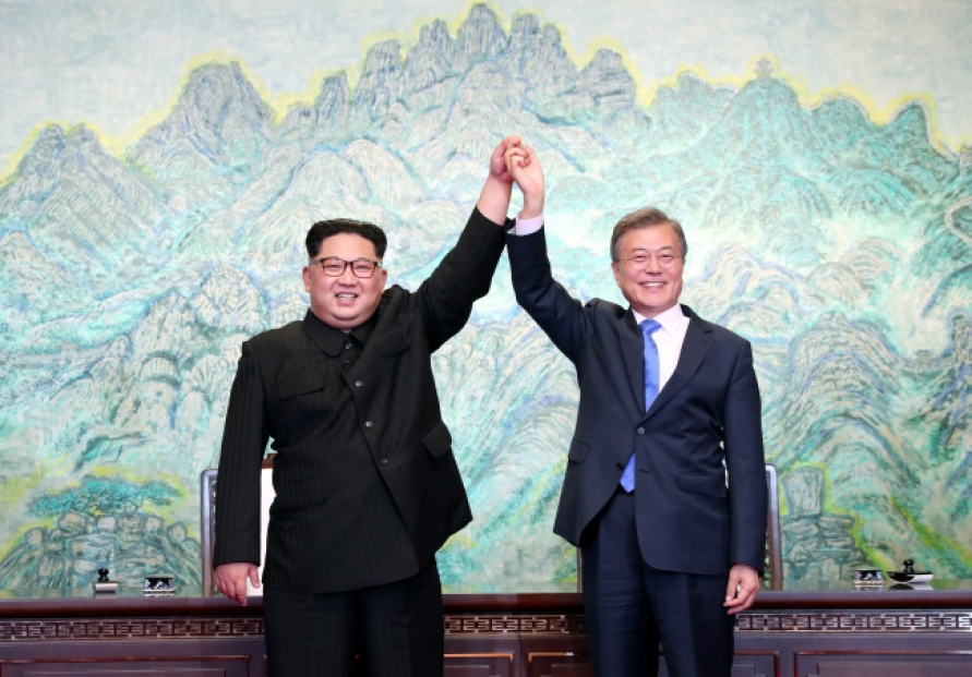 [2018 Inter-Korean summit] Koreas to declare end to Korean War