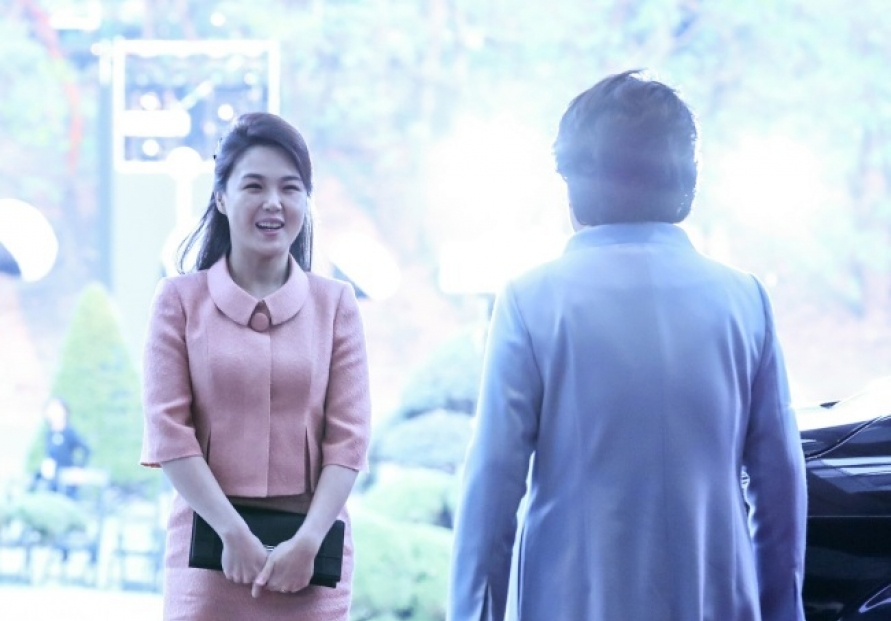 [2018 Inter-Korean summit] Ri Sol-ju becomes 'fashion muse' for North Koreans